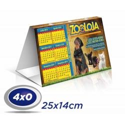 100 Calendários de Mesa 14x25cm SUPREMO 300g com Verniz UV total Frente - 4x0 cor Produção 3 dias úteis